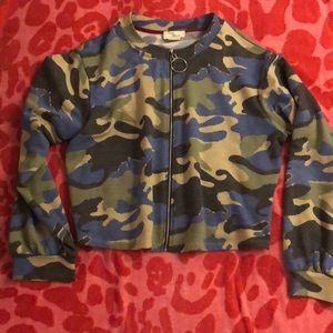 Clyde & Baxter Camouflage ZIP up top